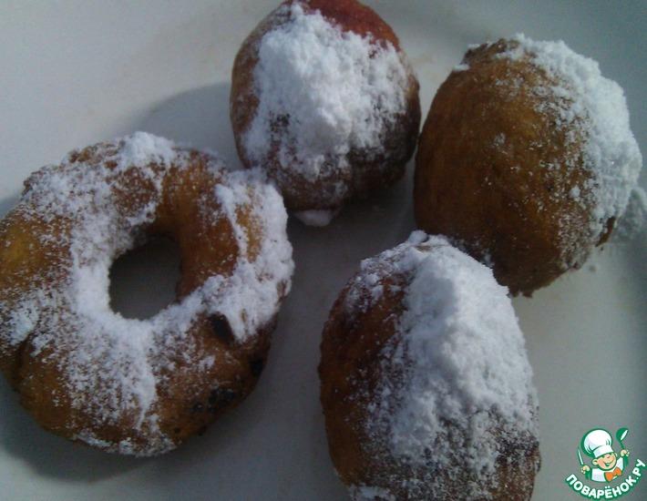 Рецепт: Пончики с вишней