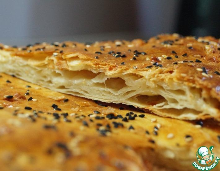 Рецепт: Слоеная лепешка с сыром