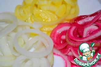 Рецепт: Маринованный лук Три цвета