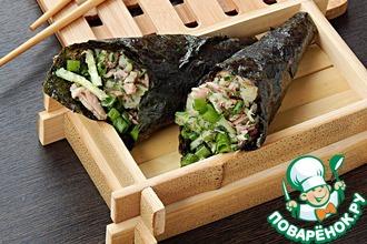 Рецепт: Кулечки темаки с тунцом и овощами