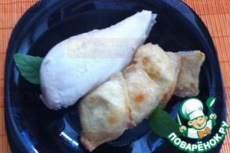 Рецепт: Луковые равиоли, запеченные с куриной грудкой