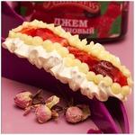 Меренго-джемовый десерт с лепестками розы