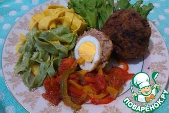 Рецепт: Птичьи гнезда с томатным соусом и лапшой