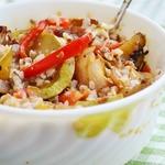 Теплый салат из овощей с гречкой