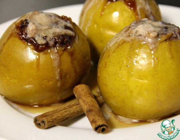 Рецепт: Печеные яблоки Ягодные