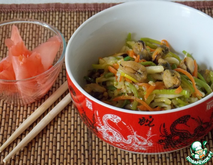 Рецепт: Теплый салат с мидиями