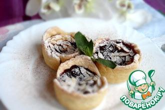 Рецепт: Пирожные с кремом и черничным джемом