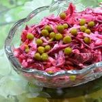 Салат из свеклы, капусты и говядины