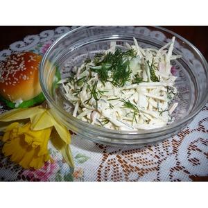 Салат из капусты с вареной колбасой