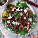 Салат с фасолью, тофу и томатами