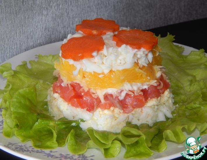 Рецепт: Слоеный салат с семгой и апельсинами