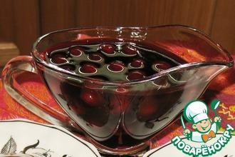 Рецепт: Пряный вишневый соус с вином