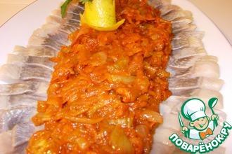 Рецепт: Сельдь в томатном соусе Овощные страсти