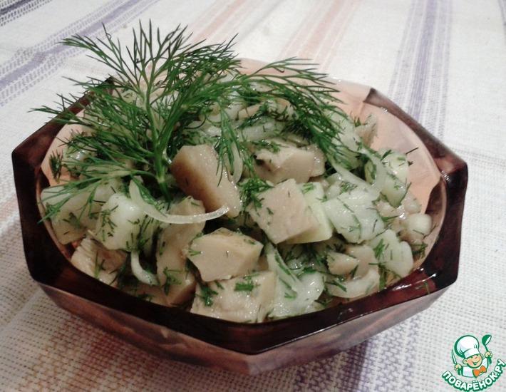 Рецепт: Весенний салат с груздями и картофелем