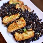 Дикий рис с жареным тофу