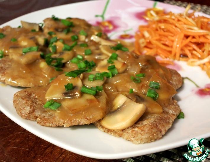 Рецепт: Овсяные оладьи с грибным соусом