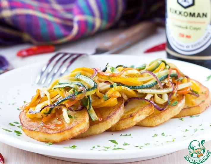 Рецепт: Жареный картофель с овощами в соевом соусе