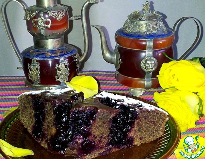 Рецепт: Постный кофейный пирог с черной смородиной