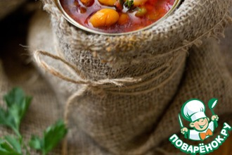 Рецепт: Суп из смеси бобовых с беконом и томатом