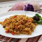 Солёный рис с овощами и сухофруктами