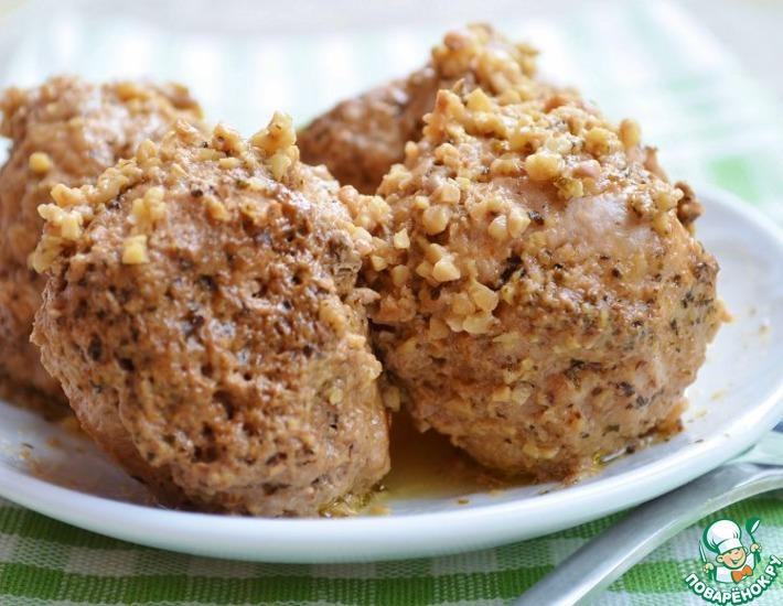 Рецепт: Тефтели в сливочно-ореховом соусе