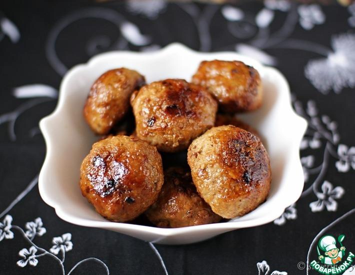 Рецепт: Тефтели с яблоками