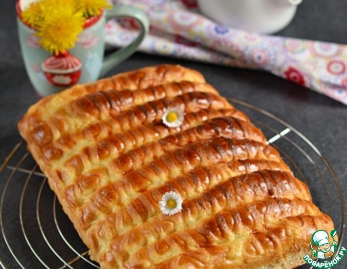 Рецепт: Сдобные булочки-сайки с заварным кремом