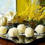 Конфеты Рафаэлло из цветной капусты и белого шоколада