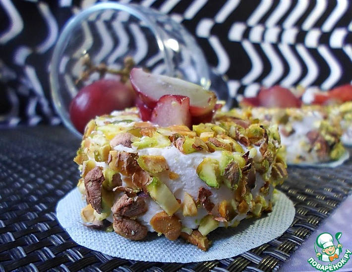 Рецепт: Сырное суфле с виноградом