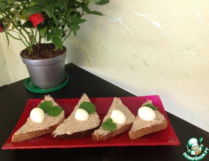Рецепт: Кростини из черного хлеба Чумачечая весна