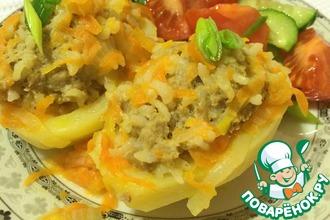 Рецепт: Половинки картофеля с мясным фаршем