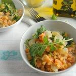 Постный салат с семгой и чечевицей