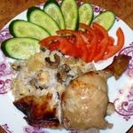 Курица, фаршированная ананасами и грибами