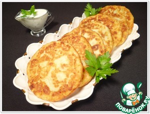Potato pancakes with spinach and garlic