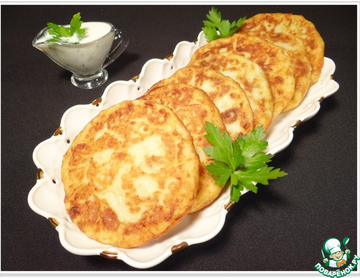 Рецепт: Картофельные лепешки со шпинатно-чесночной начинкой