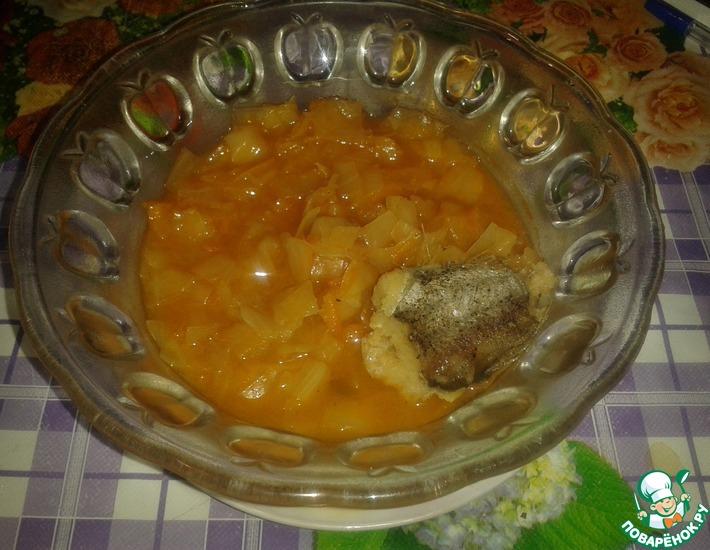 Рецепт: Тушеная рыба с капустой