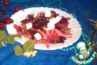 Рецепт: Салат Весенняя фантазия свекольно-грушево-сырный