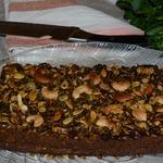 Чечевичный пирог с грибами, брокколи и семечками