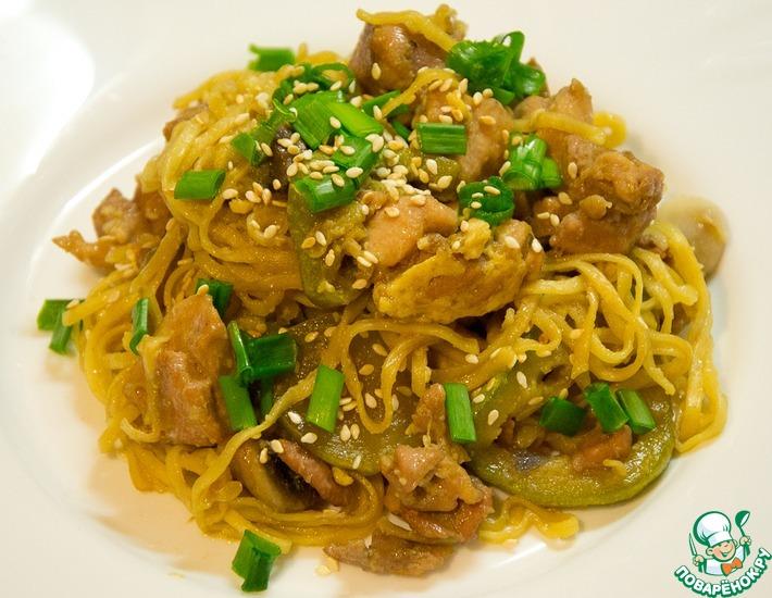Рецепт: Курица с овощами и яичной лапшой