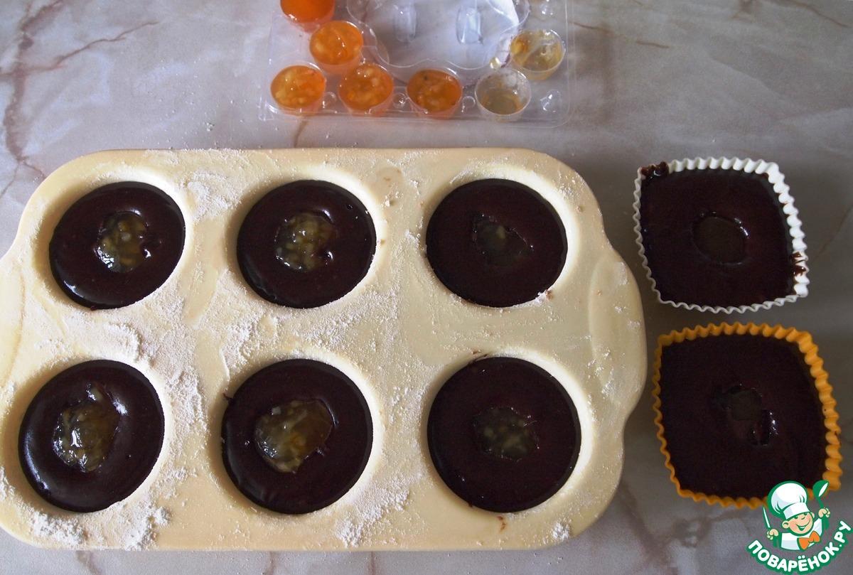 Шоколадный фондан с апельсиновым джемом