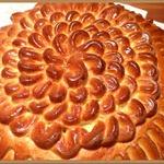Пирог Воздушные петельки с ореховой начинкой