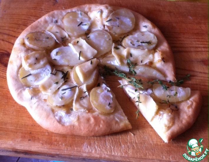 Рецепт: Пицца с картофелем и мягким сыром