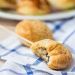 Мини пирожки с курицей на палочках
