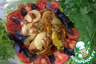 Рецепт: Куриные крылышки в медово-соевом соусе с ананасами