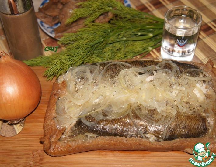 Рецепт: Поморский рыбник и калитки из ржаного теста