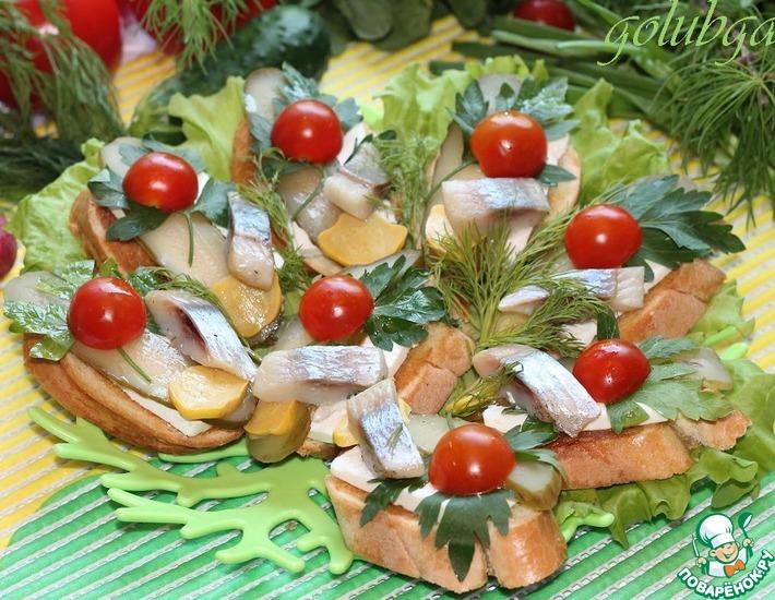 Рецепт: Брускетта с сельдью и маринованным огурчиком