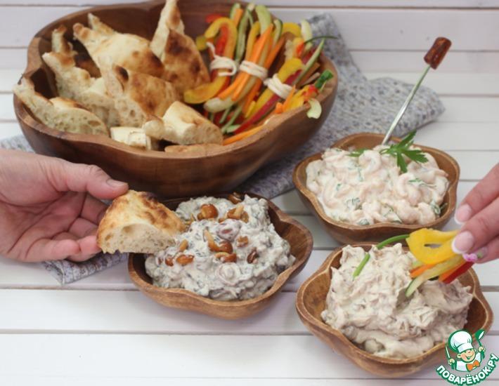 Рецепт: Закусочные дипы: грибной, луковый и креветочный