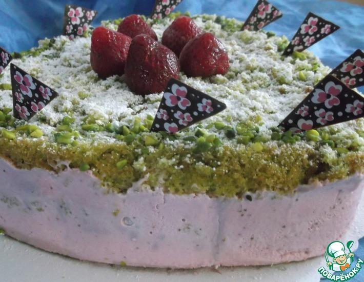 Рецепт: Клубнично-фисташковый торт