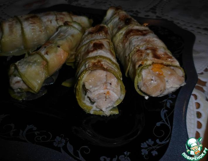 Рецепт: Рулетики Курица в кабачке