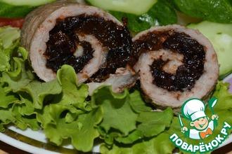 Рецепт: Рулетики из свинины с черносливом